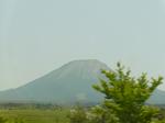 表側から大山を見る。中国道爆走中
